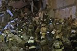 Спасатели МЧС России продолжают поиски людей под завалами в Ижевске