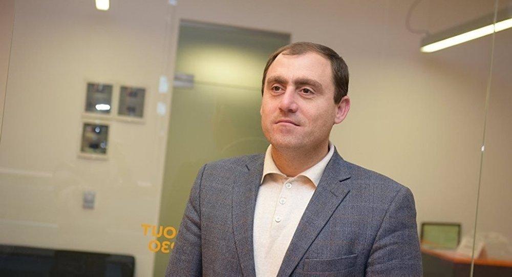 Левон Галустян