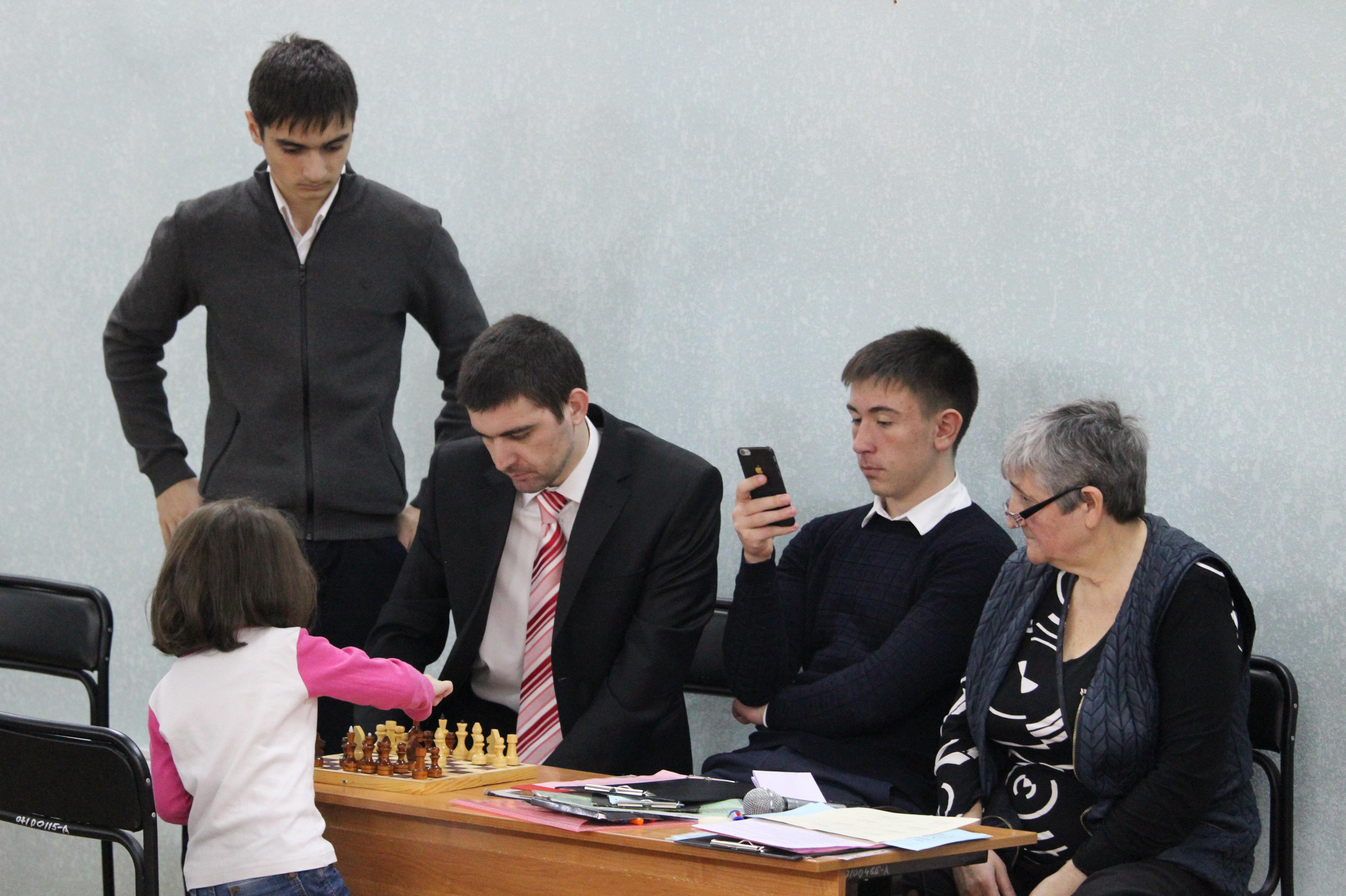 Второй детский шахматный турнир памяти осетинских математиков