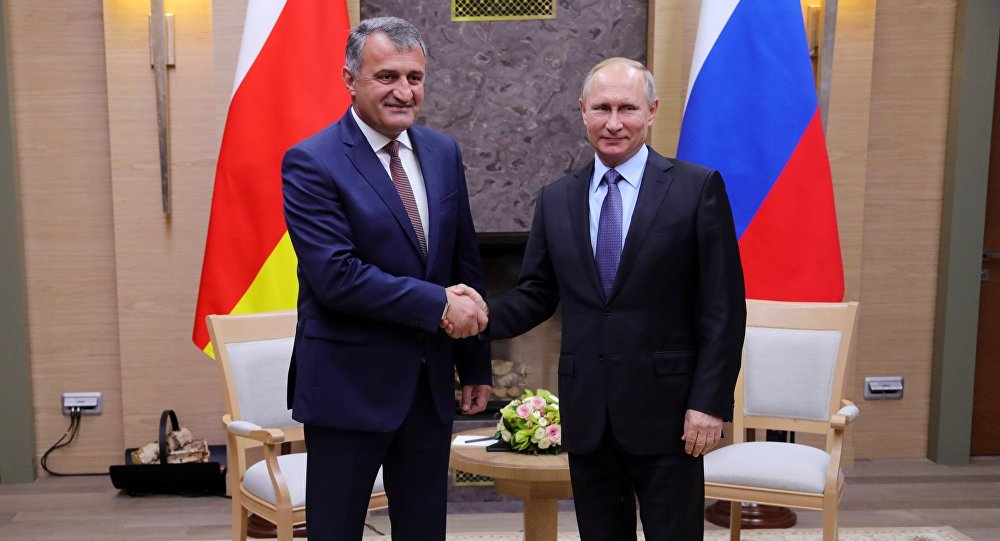 Путин обсудил сглавой Южной Осетии товарооборот исоздание новых рабочих мест