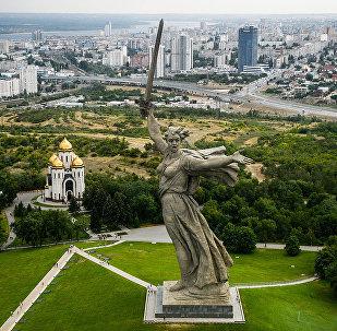 Родина-мать зовет! - центр памятника-ансамбля Героям Сталинградской битвы