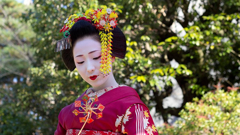 Ученица гейши (майко). Киото, Япония