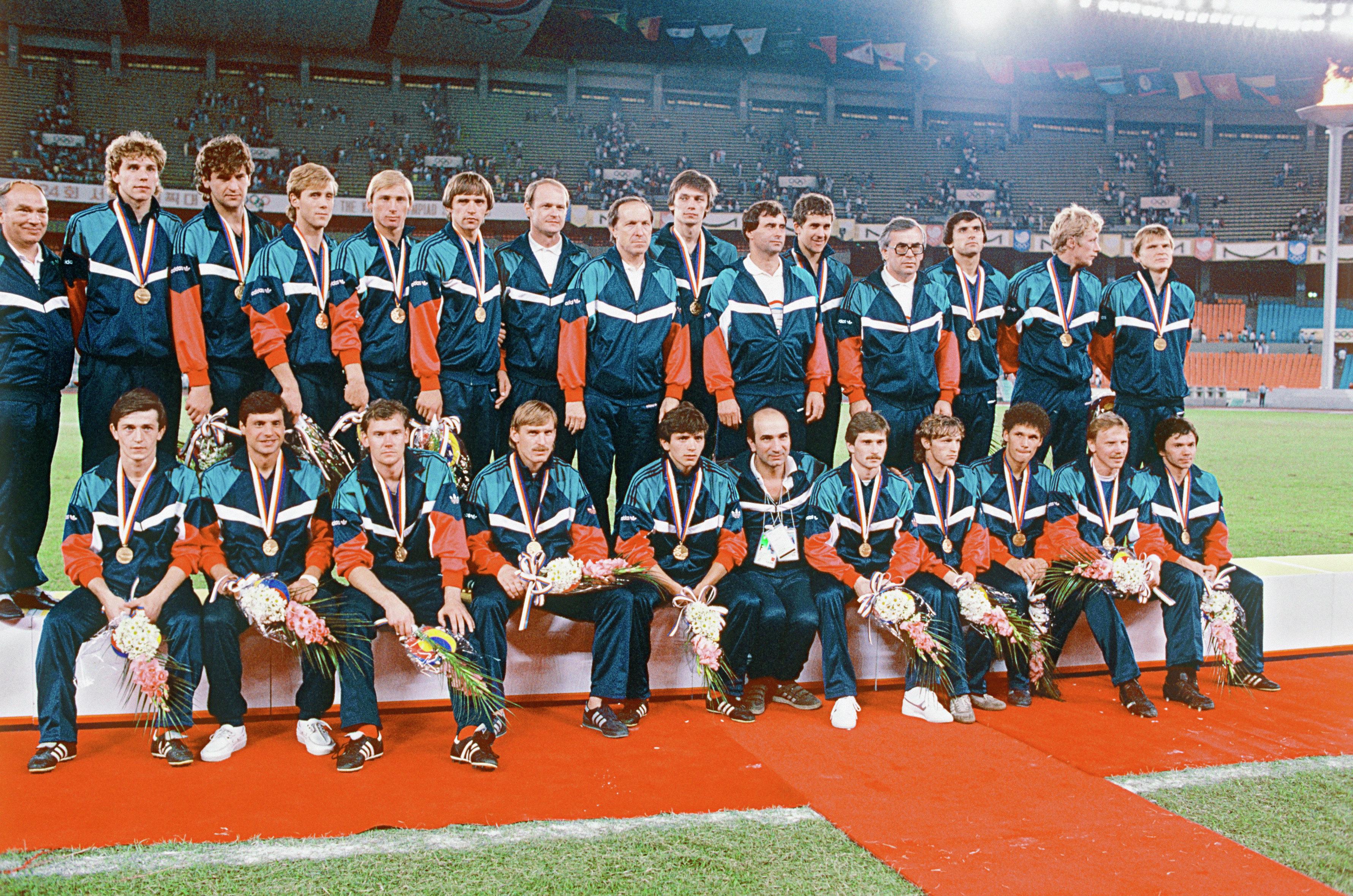 Олимпийская сборная команда СССР по футболу - чемпионы XXIV Олимпийских игр в Сеуле (Южная Корея)