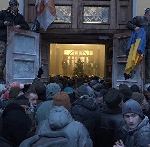 Сторонники Саакашвили попытались захватить Октябрьский дворец в Киеве