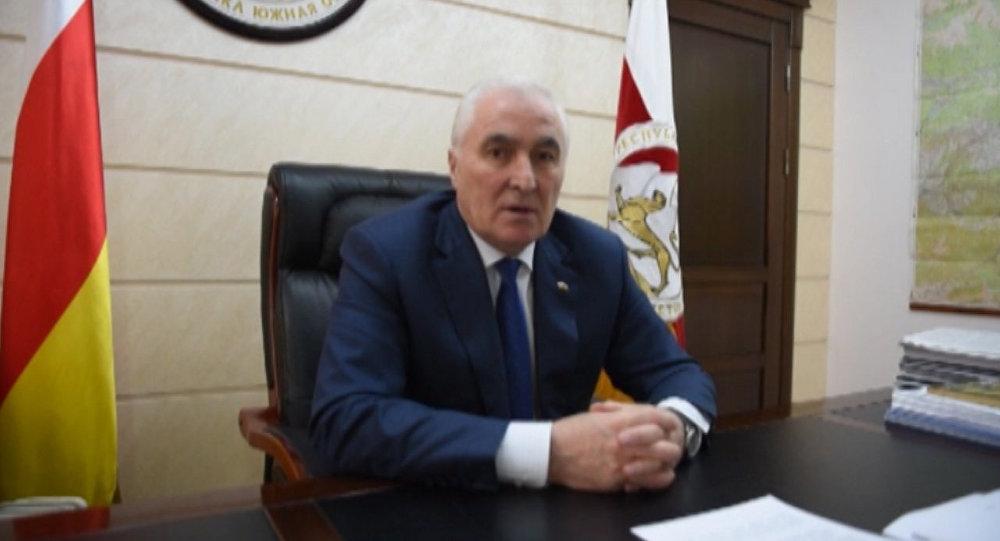 Президент Тибилов.