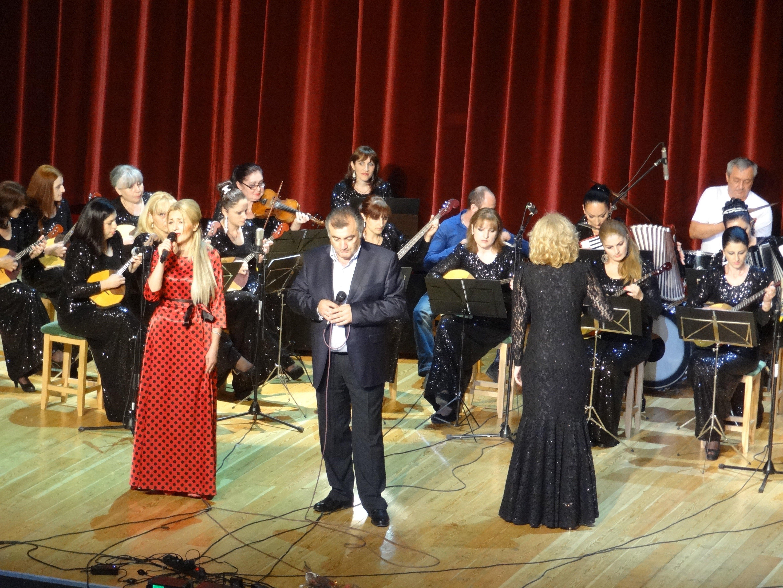 Хор и оркестр народных инструментов Аизалд