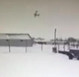 Падение самолета в Нарьян-Маре попало на видео