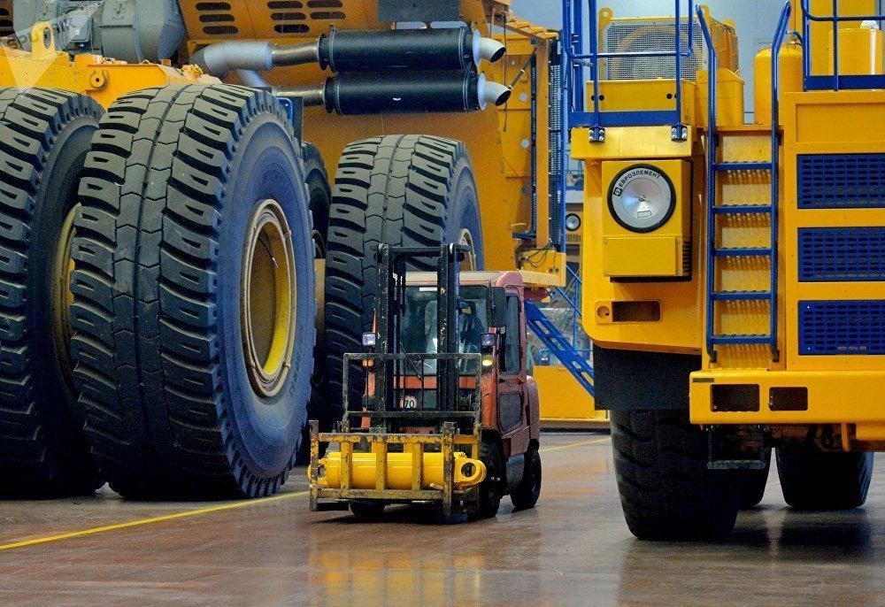 Как собирают самую большую машину в мире