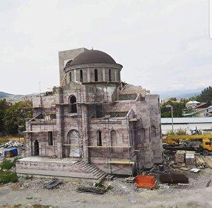 Строящийся в Цхинвале храм Святой Троицы