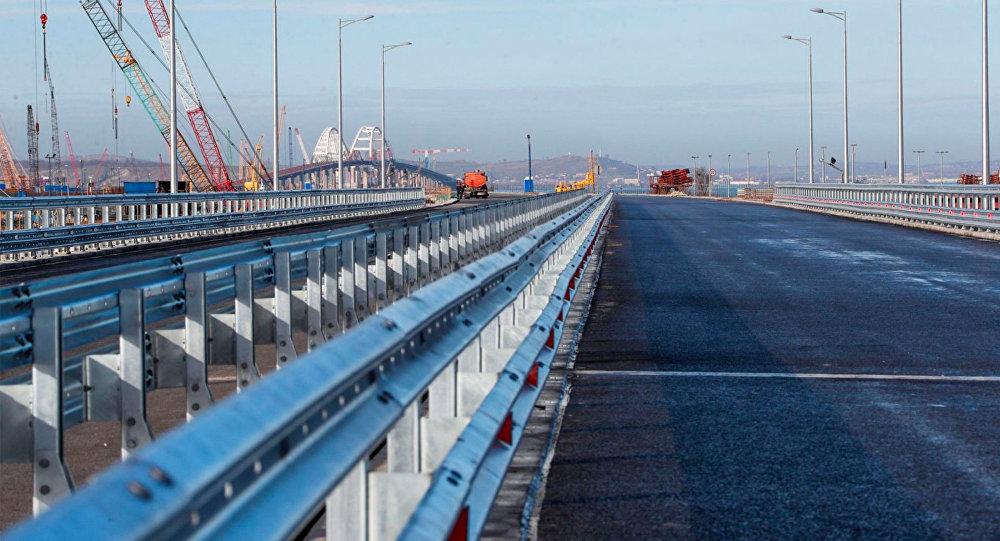 Минтранс показал готовый участок Крымского моста