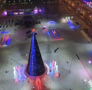 2 200 кубометров льда: в Перми открыли самый большой ледяной городок в России