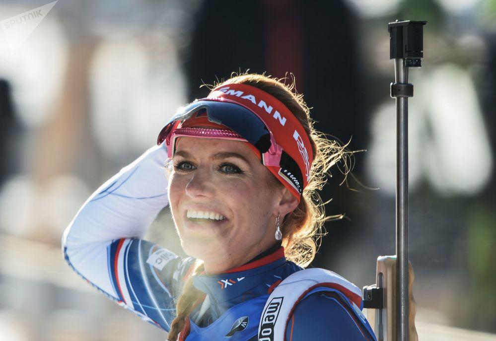 Габриэла Коукалова из Чехии уже не первый сезон соперничает с итальянкой Доротеей Вирер за звание самой красивой биатлонистки.