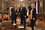 Обмен подарками и соглашение: кадры визита Бибилова в Республику Сербскую