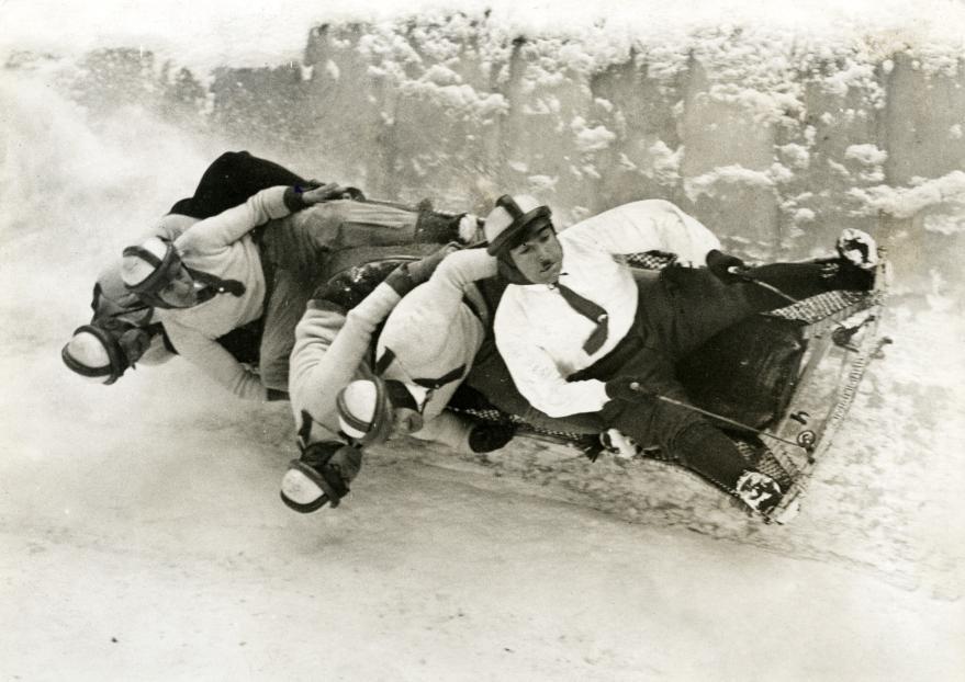 Команда бобслеистов в 1931 году. Место съемки неизвестно. Архивное фото