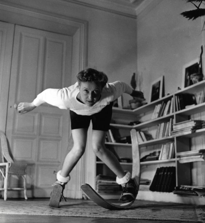 Научиться кататься на лыжах можно оставаясь дома! Домашние тренировки во Франции. Архивное фото