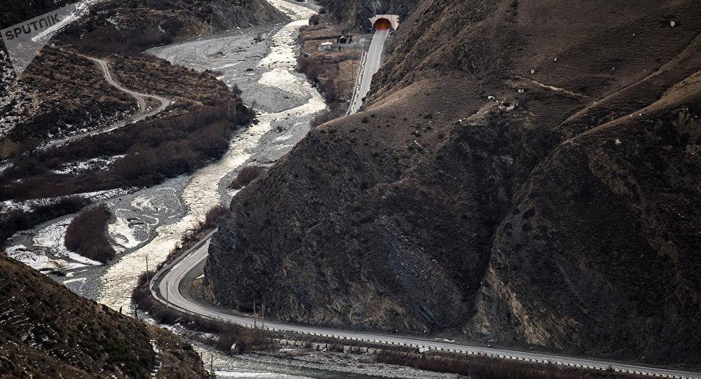 Дорога из РФ вЮжную Осетию закрыта из-за камнепада