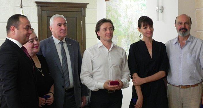 Встреча Л.Тибилова с актером Сергеем Безруковым