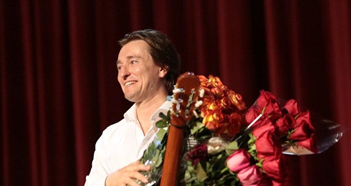 Серегей Безруков встретился с югоосетинскими ценителями театра и кино