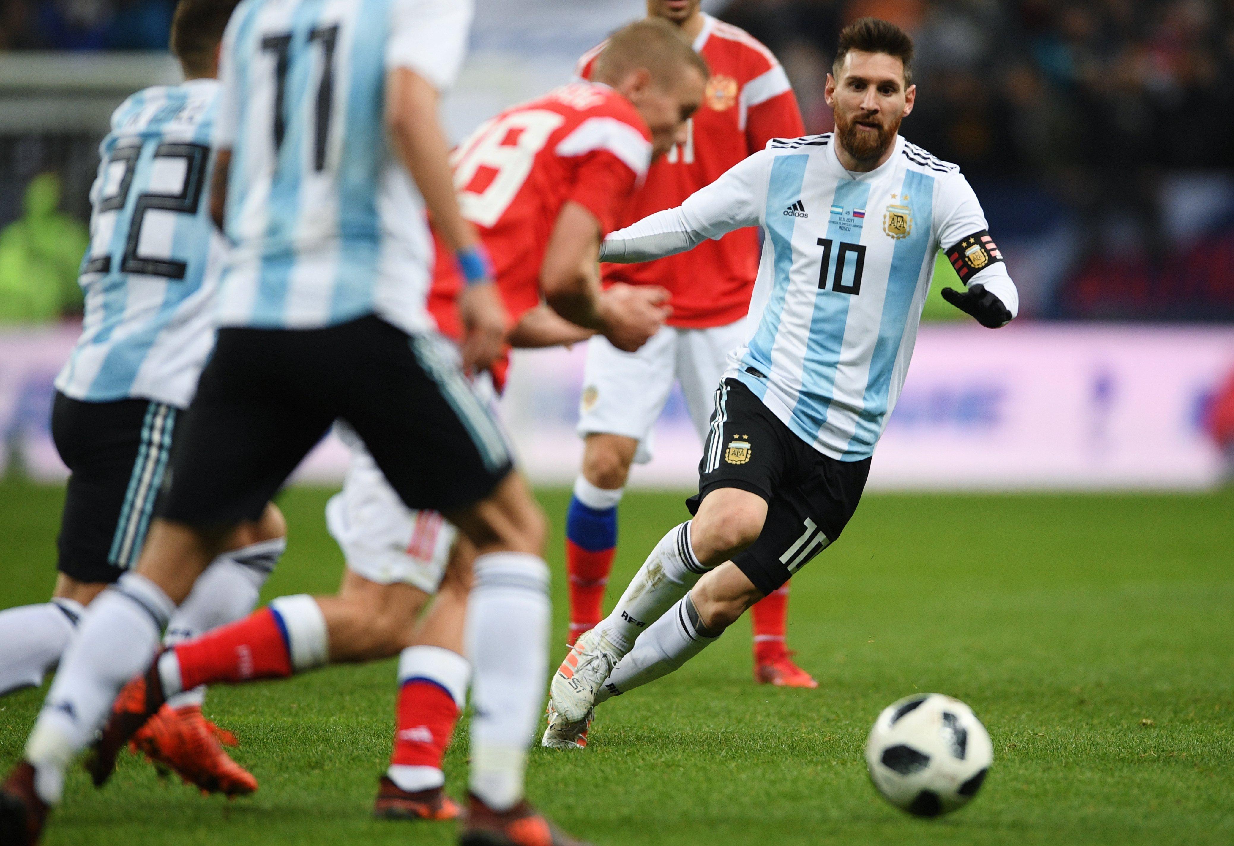 Лидер аргентинской сборной Лионель Месси в товарищеском матче между национальными командами России и Аргентины.