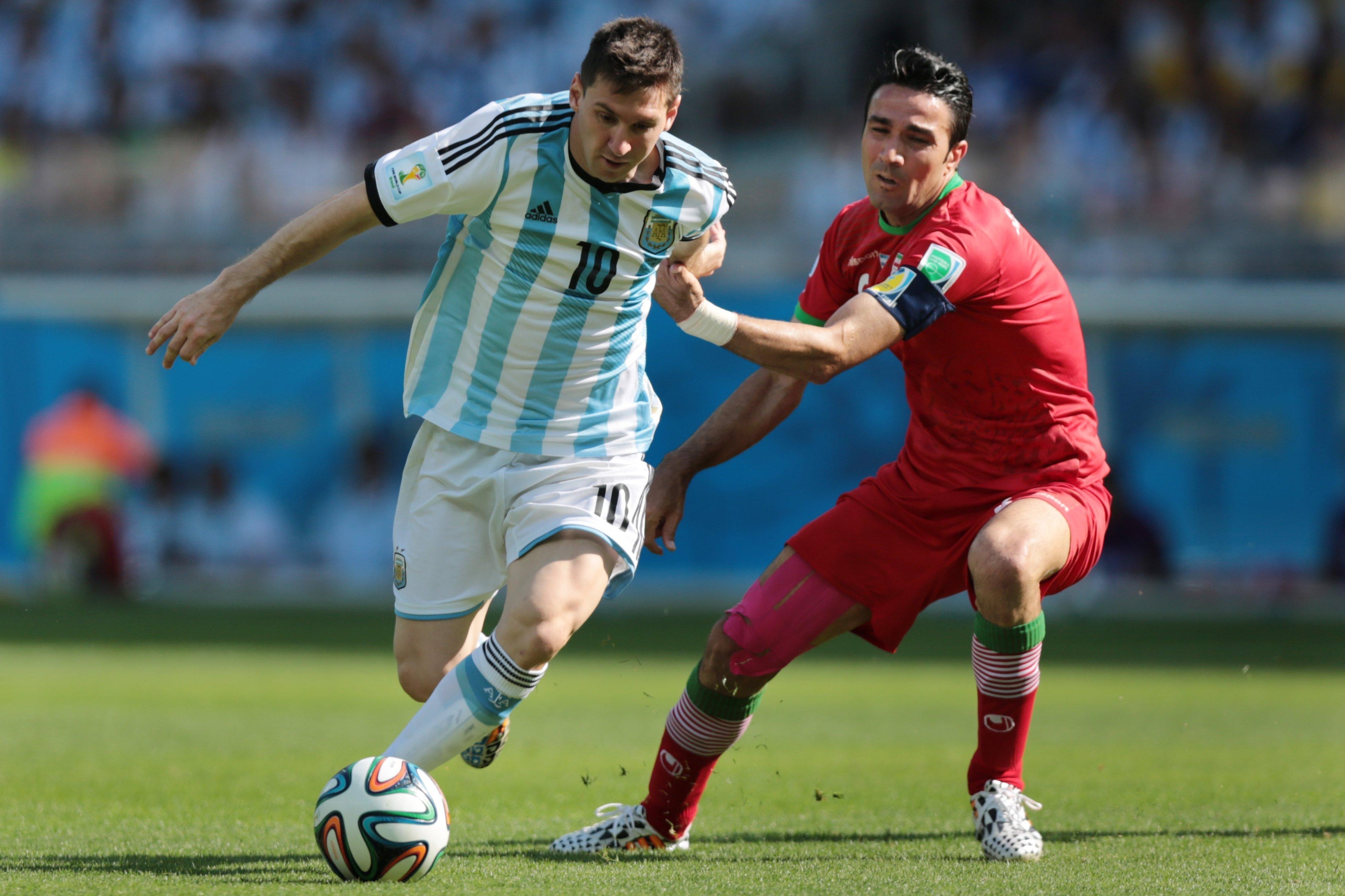 На чемпионате мира 2014 года в Бразилии сборная Ирана дала бой сборной Аргентины – решающий  и единственный гол в игре уже в добавленное время забил Лионель Месси.