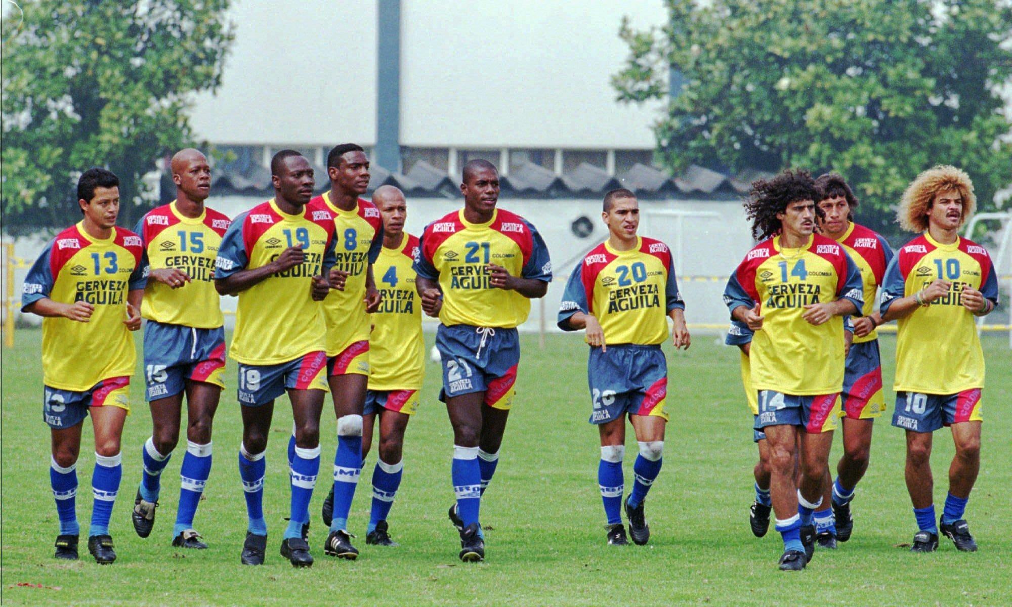 Сборная Колумбии во время последней тренировки перед отъездом на Кубок мира 1998 года во Францию