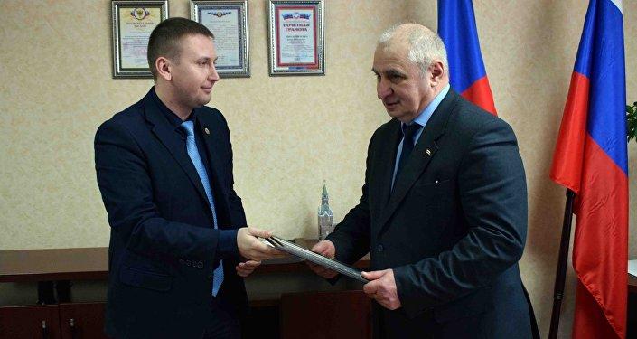 Председатель Народного Совета ЛНР Денис Мирошниченко провел встречу с представителями Республики Южная Осетия – государство Алания