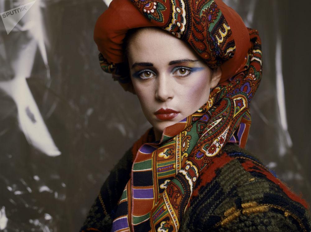Зимний макияж от художника-модельера и визажиста Валентина Юдашкина, 1986 год