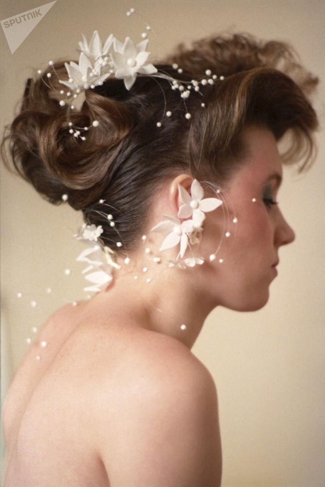 Свадебная укладка популярного московского парикмахера Г.Наджарова, 1987 год
