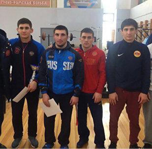 Осетинские вольники завоевали 6 медалей на первенстве Москвы