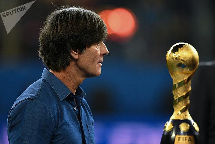 Йоахим Лев – действующий наставник сборной Германии. Под его руководством сборная германии выиграла чемпионат мира в Бразилии в 2014 году