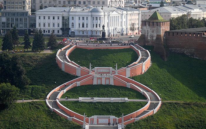 Чкаловская лестница – монументальная лестница в историческом центре Нижнего Новгорода, соединяющая Верхне-Волжскую и Нижне-Волжскую набережные.