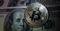 Монеты с логотипами криптовалюты биткоин