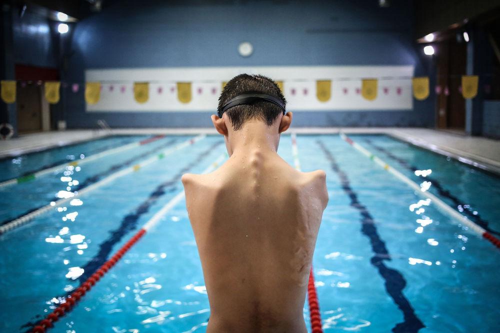 Снимок из серии Magic of Water иранского фотографа Behnam Sahvi из категории Sport (Professional), вошедший в шортлист фотоконкурса 2018 Sony World Photography Awards