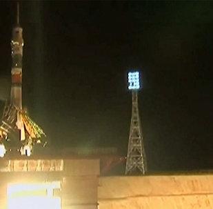С Байконура стартовала ракета Союз-ФГ с пилотируемым кораблем