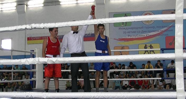 Цхинвалы турниры сӕ тыхтӕ ӕвзарынц 54 боксеры