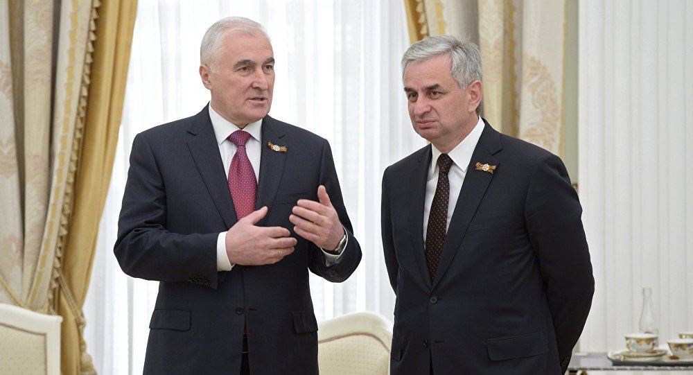 Президенты РЮО и РА Л.Тибилов и Р.Хаджимба