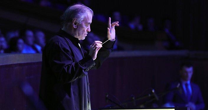 Дирижер симфонического оркестра Мариинского театра Валерий Гергиев