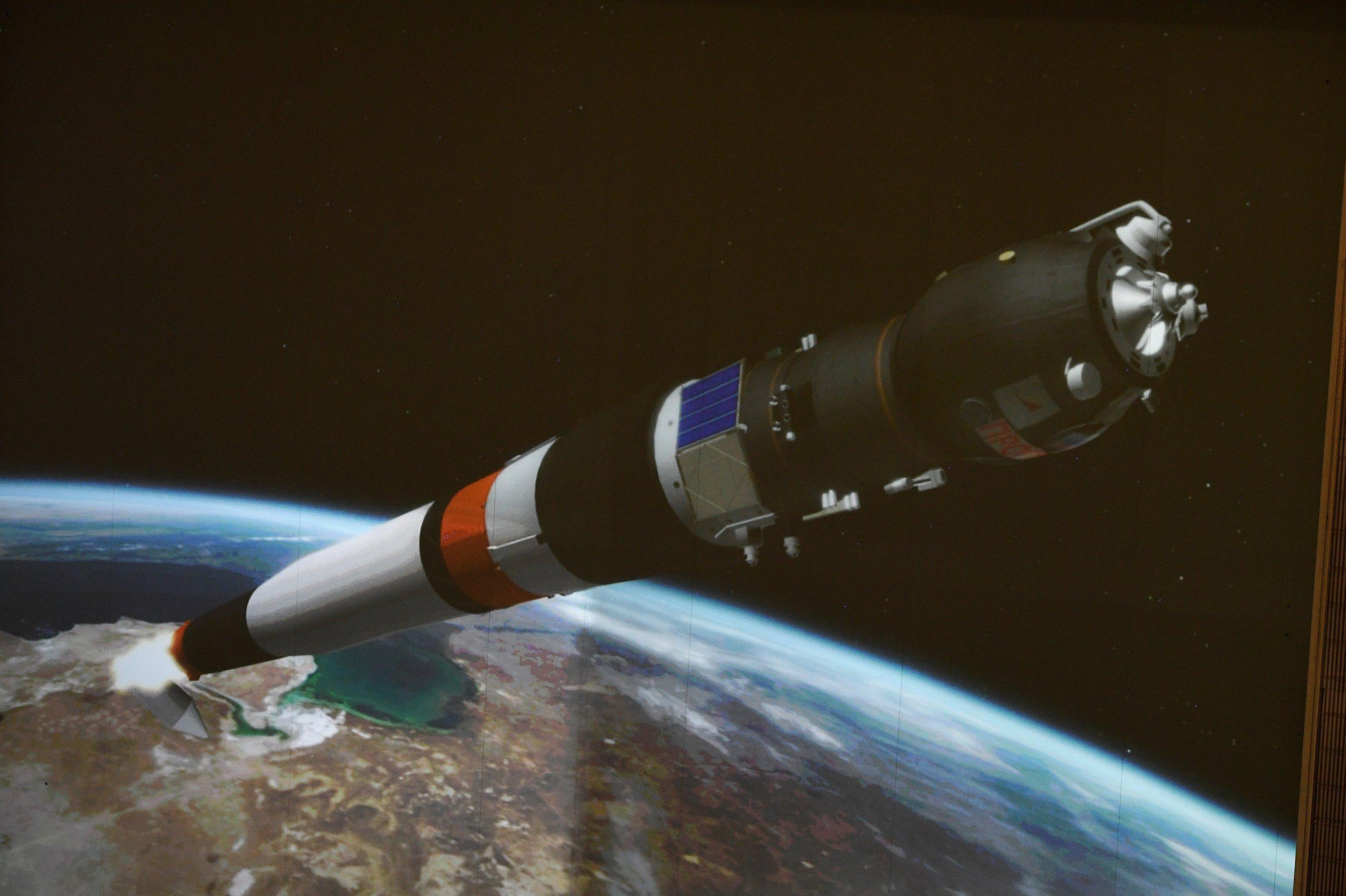Выведение на орбиту грузового корабля Прогресс МС-05