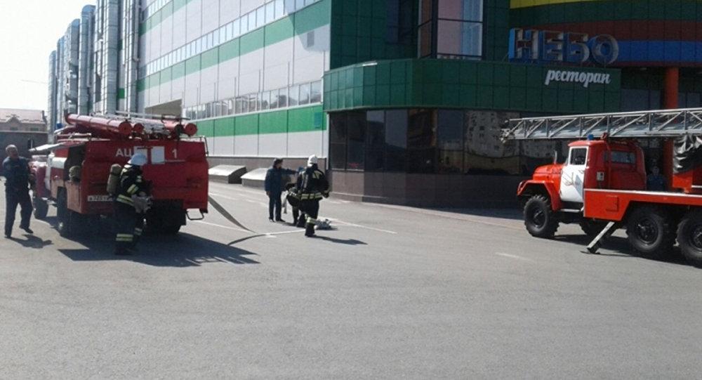 Пожарные эвакуировали посетителей одного из торговых центров Владикавказа за 7 минут