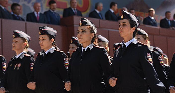 Сотрудники МВД Южной Осетии на параде.