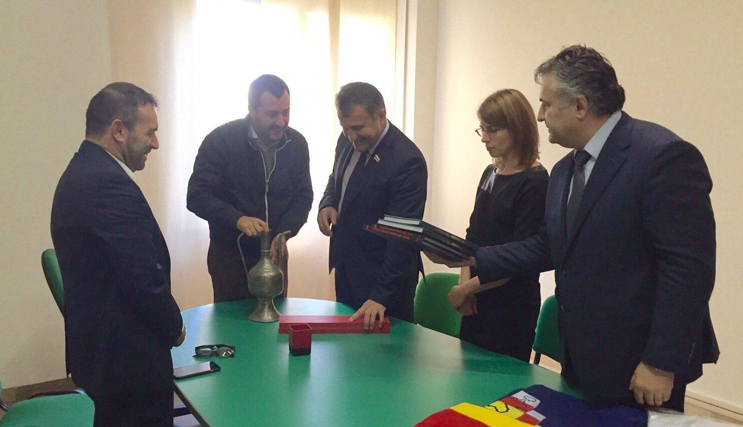 Встреча спикера парламента РЮО Анатолия Бибилова с лидером партии Лига Севера Маттео Сальвини