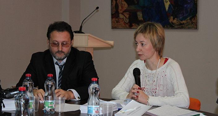 Яна Амелина, политолог