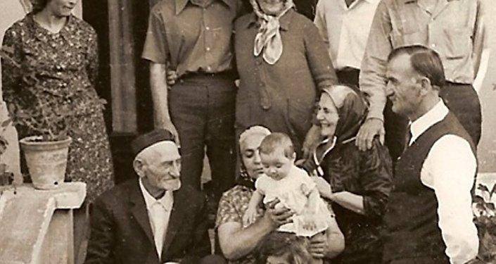 Семья Мамсуровых в Турции
