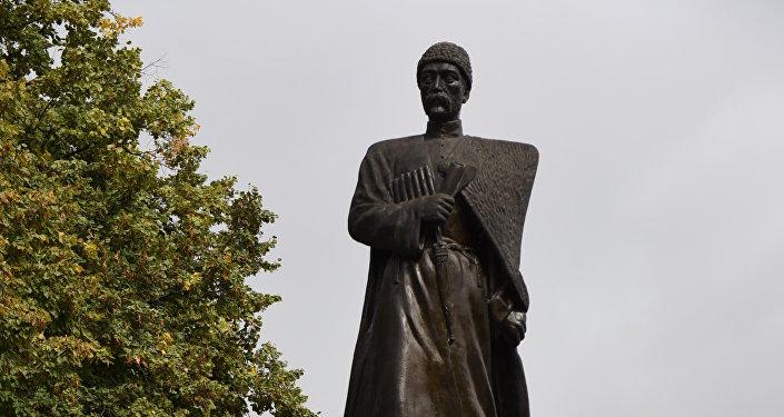 Памятник Коста Хетагурова в Цхинвале