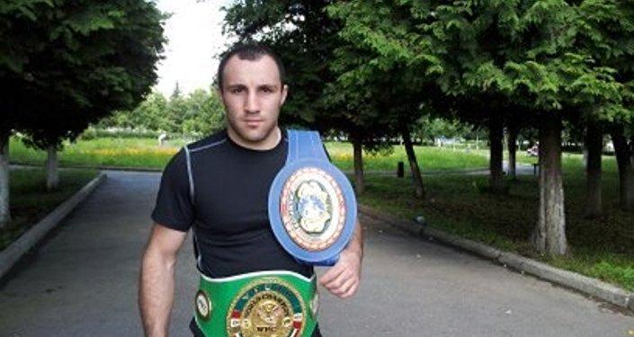 Боксер Аслан Козаев
