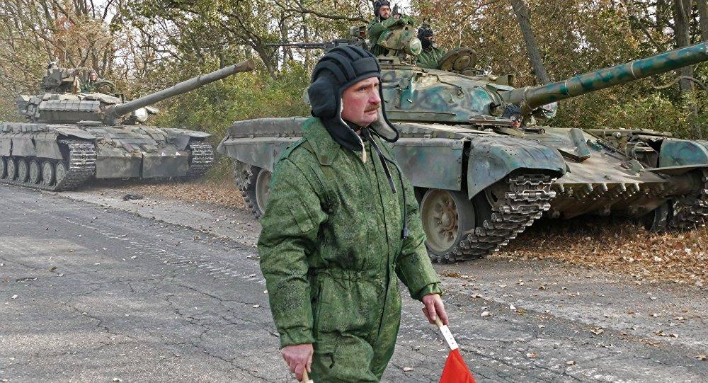 В ЛНР зафиксировали колонну техники силовиков у линии соприкосновения