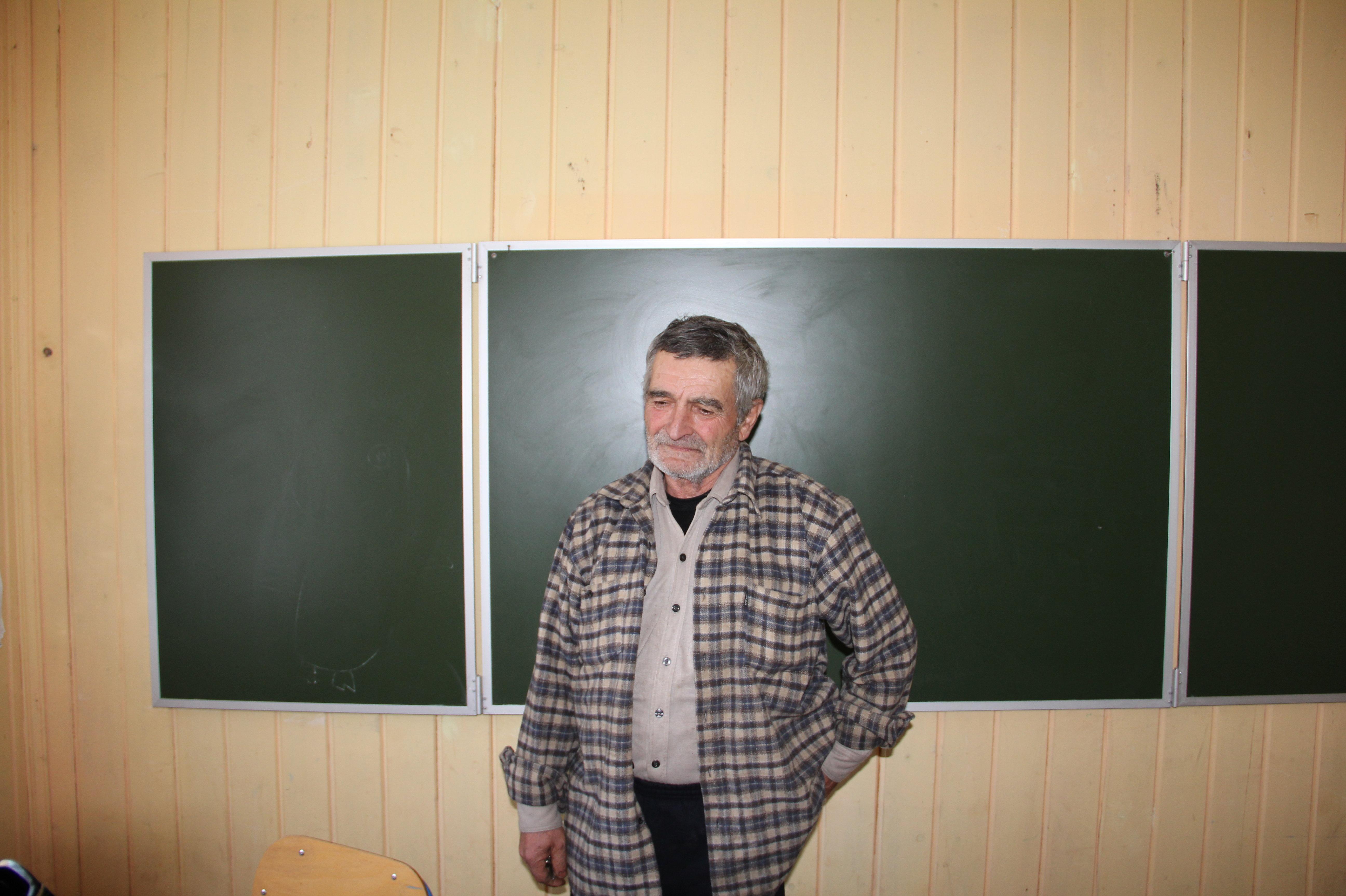 Учитель Ахмаджской школы