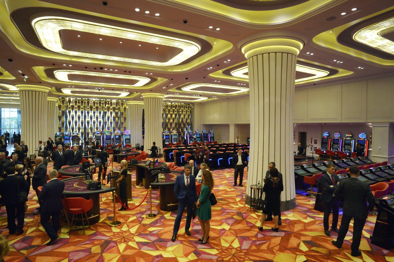 открытие первого казино