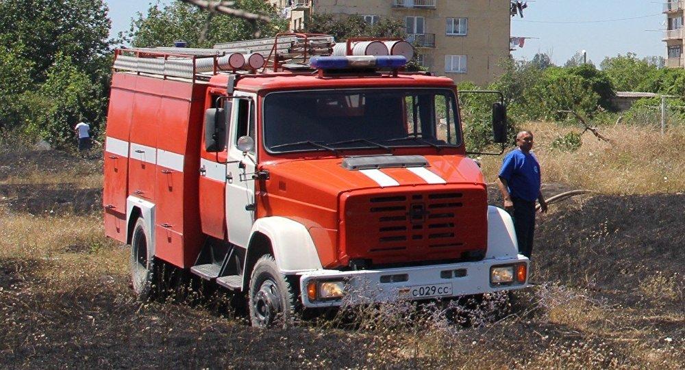 Ликвидация пожара на окраине Цхинвала
