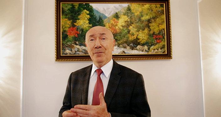 Посол РФ в Южной Осетии читает Хетагурова в проекте Sputnik.Чтения